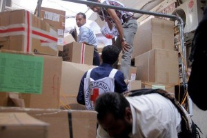 Agencies-deliver-supplies-to-Yemeni-city-for-first-time-in-months