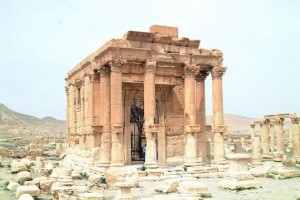 Drone-footage-reveals-some-ruins-in-Palmyra-survived-Islamic-State-occupation