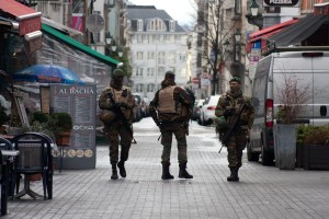 Officers-shot-in-Brussels-counter-terrorism-raid-linked-to-Paris-attacks