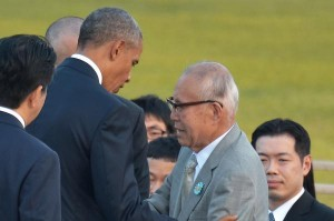 Obama-meets-survivors-in-emotional-visit-to-Hiroshima-memorial