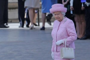 Queen-Elizabeth-caught-on-camera-calling-Chinese-officials-very-rude