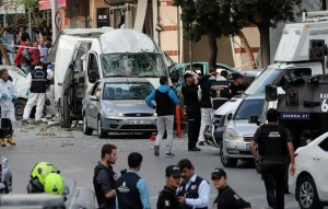 ten-injured-in-explosion-near-istanbul-police-station