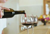 A little daily alcohol may cut stroke risk