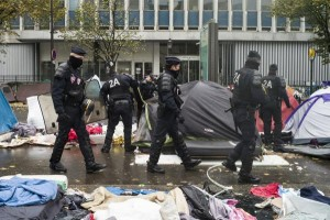 thousands-calias-jungle-migrants-relocated-from-paris-streets
