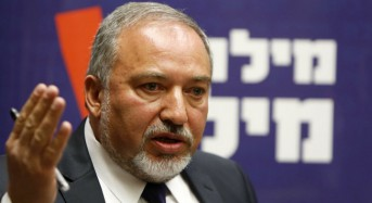 Israel's Lieberman dubs French peace meeting new 'Dreyfus trial'