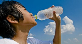 Water better for young athletes than sports drinks, experts say