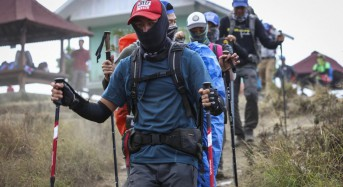 More than 500 hikers rescued from Indonesian volcano