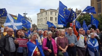 People's Vote backers rally in Edinburgh for say in final Brexit deal