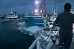 french-british-ships-clash-over-english-channel-scallop-fishing