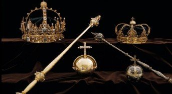Thieves steal Swedish royal crowns, escape by motorboat