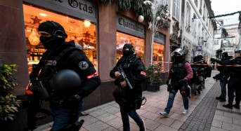 5 arrested as French police hunt gunman in attack that killed 2