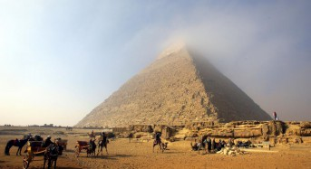Egypt investigates authenticity of nude pyramid video