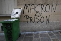 Macron plans 'important announcements' after fourth week of protests