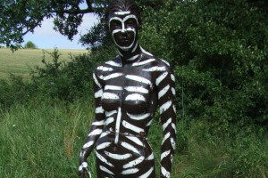 The mannequin painted black with white stripes attracted the fewest blood-sucking insects. Photo by Lund University