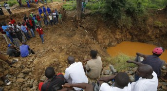 38 miners feared dead in two Zimbabwe mine floods