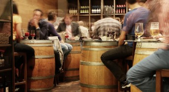 Study: Drinking beer before switching to wine does not prevent hangover