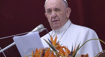 Pope describes Easter as 'beginning of the new world' amid misfortun