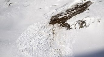 Six skiers rescued after avalanche in Swiss Alps