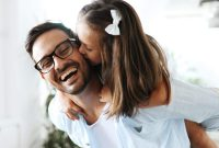 Fathers who have daughters tend to live longer, says study